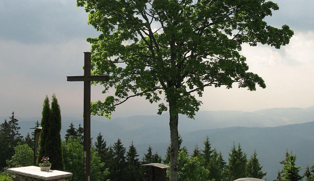 Das Wanderziel in Winden im Elztal, der Gipfel des Hörnlebergs - Der Wallfahrtsort im Elztal im Süd-Schwarzwald