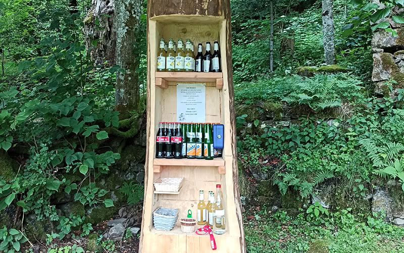 Getränke am Rastplatz vor den Zweribach Wasserfälle