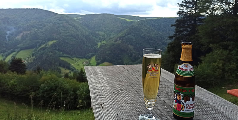 Bierpause an der Hintereck Hütte