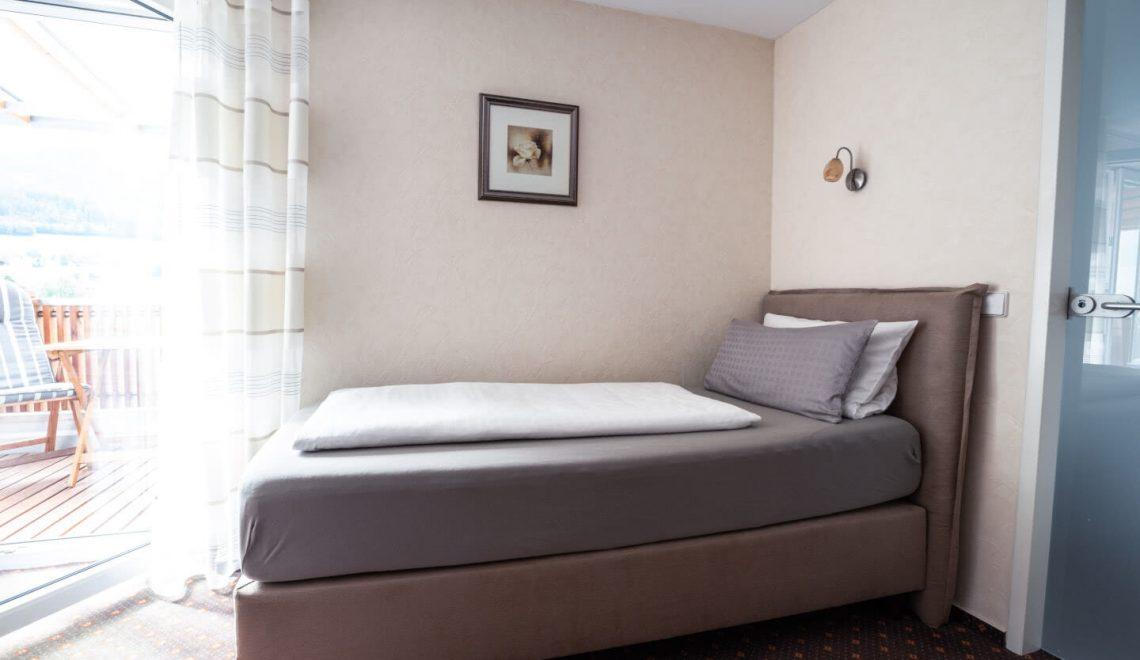 Einzelbett Dreibettzimmer Hörnleberg Pension am Rain